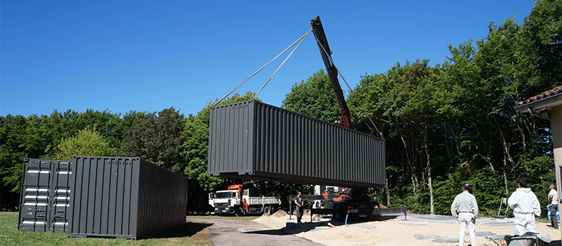 dechargement-container-grue-camion