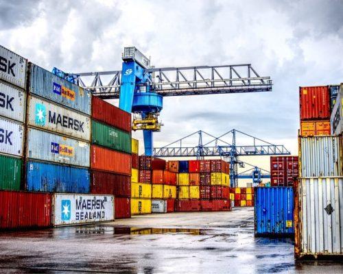 Stock de conteneurs maritimes